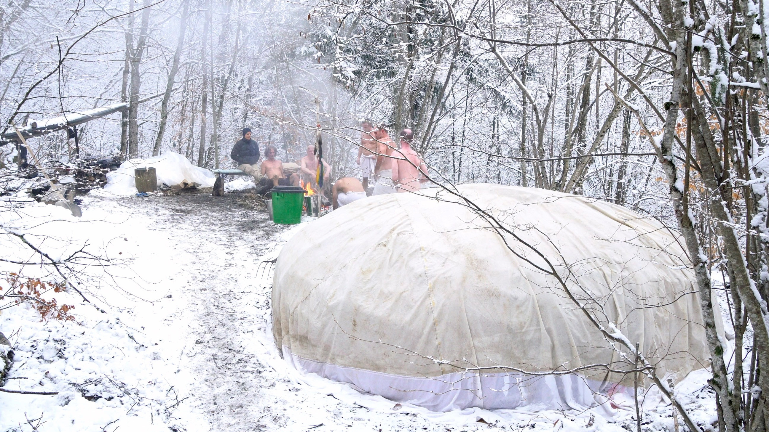 Image 4 of 10 - Experience Ice Bath to get an impression of WHM Travel Experience at Brienz