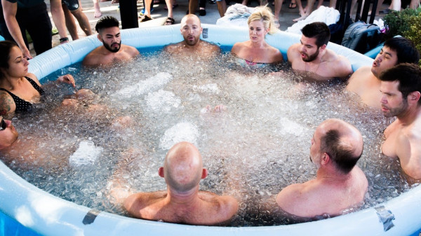 Image 4 of 7 - Experience Ice Bath to get an impression of Wim Hof Experience — London at London